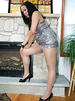 Kim is a hot ebony tranny from New York City with sexy cock sucking lips.